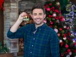 Jonathan Bennett Is Filming A Sequel to 'The Christmas House'